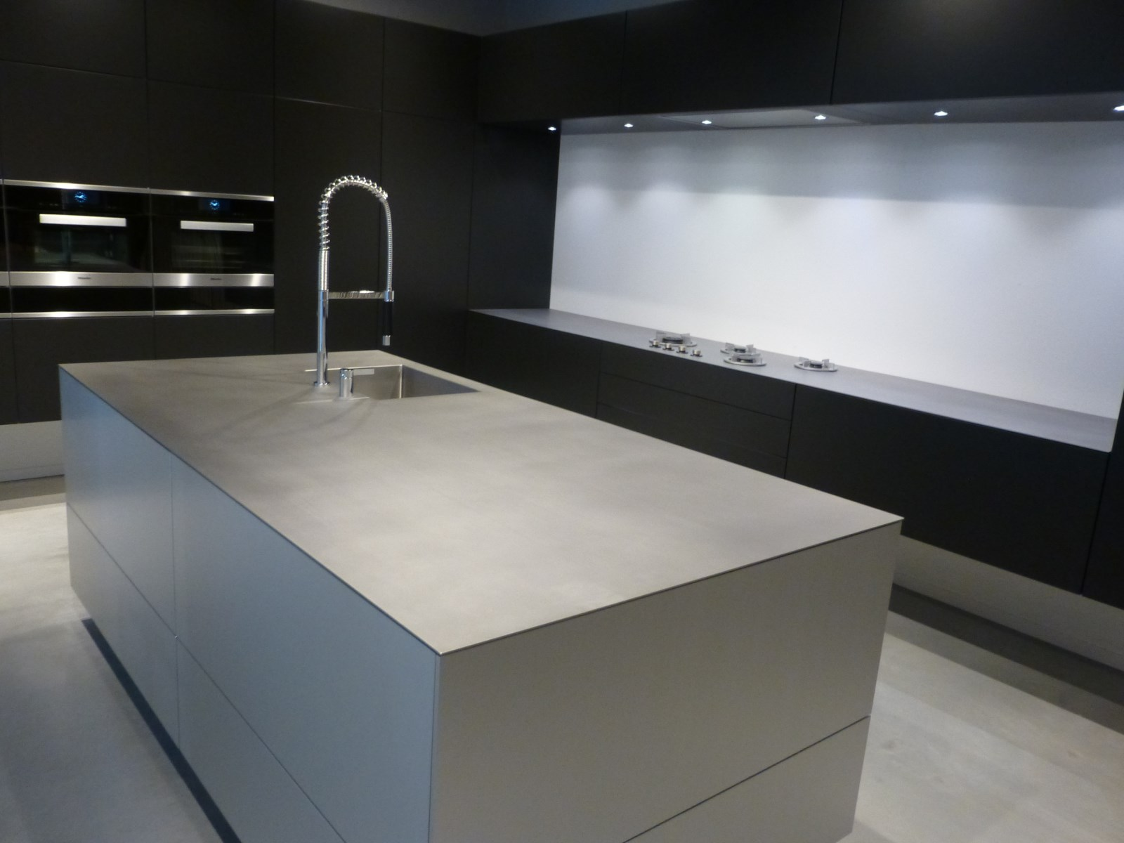 cuisiniste inox aix en provence so inox. Black Bedroom Furniture Sets. Home Design Ideas