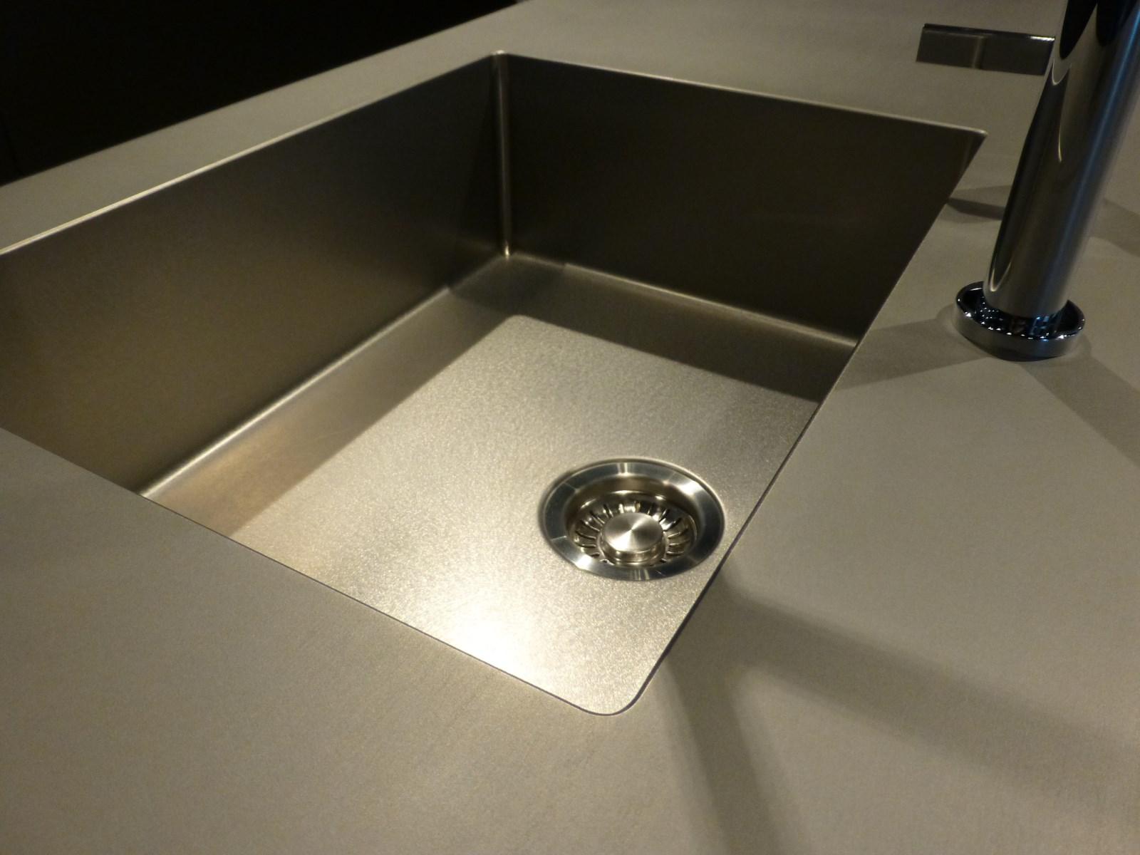 plans de travail inox 4 mm massif lamin s chaud so inox. Black Bedroom Furniture Sets. Home Design Ideas