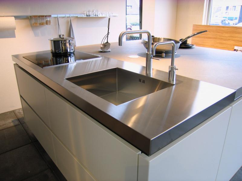 Les viers inox baronga pur so inox for Cuisinella plan de travail