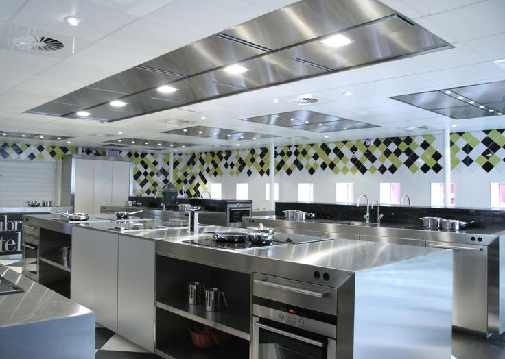 Hottes sur mesures en inox et projets sp ciaux so inox - Hotte de cuisine restaurant ...